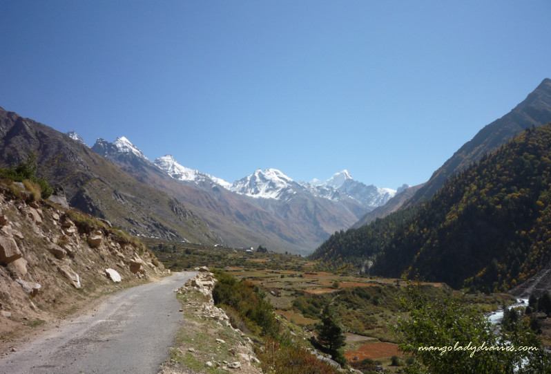 On the way to Chhitkul