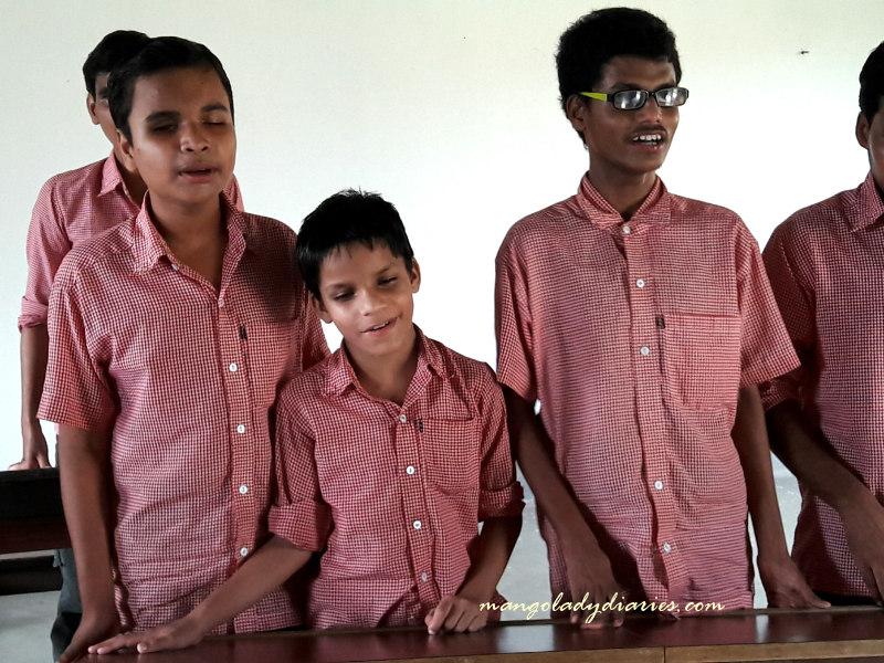 Shyamsundar, popularly called Sam (middle)