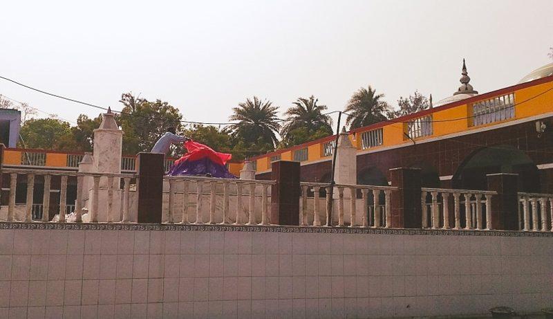 Masnad-e-Aala tomb